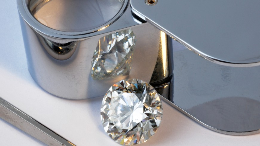 All the Tools You Need to Buy the Perfect Diamond Engagement Ring